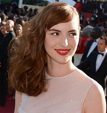 Louise Bourgoin Taille Poids